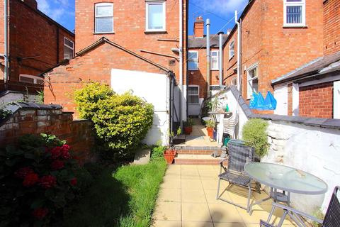 3 bedroom terraced house for sale - Fosse Road North, Leicester