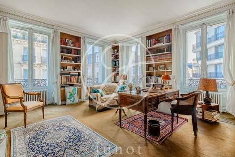 3 bedroom apartment - PARIS, 75116