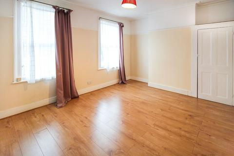 3 bedroom terraced house to rent - Bruce Castle Road, London