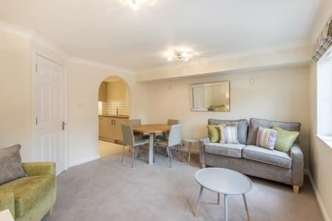 3 bedroom flat to rent - Wellmeadow Road, London
