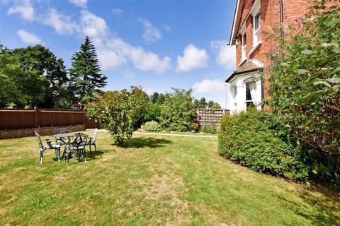 3 bedroom detached house for sale - Brighton Road, Banstead, Surrey