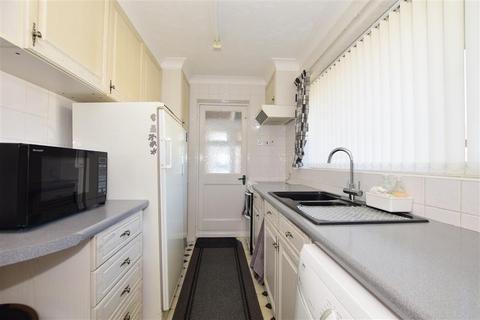 2 bedroom detached bungalow for sale - Meadowbrook Road, Kennington, Ashford, Kent