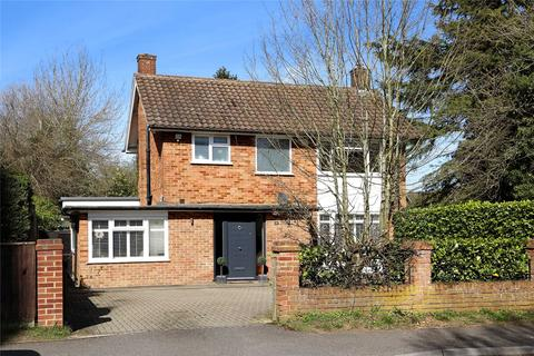3 bedroom detached house for sale - Mayflower Way, Beaconsfield, Buckinghamshire, HP9