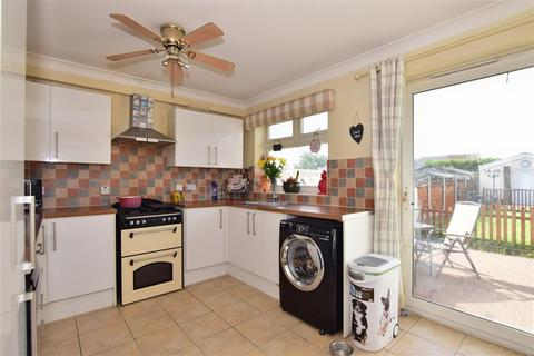 3 bedroom terraced house for sale - Benets Road, Hornchurch, Essex