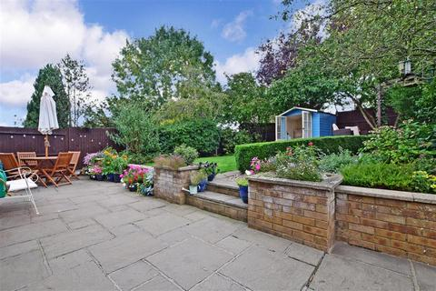 3 bedroom detached house for sale - Rhodewood Close, Downswood, Maidstone, Kent