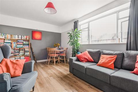 2 bedroom flat for sale - Sangley Road, London, SE6 2DY