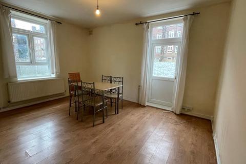 3 bedroom flat to rent - Homerton Road