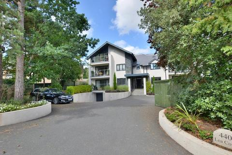 3 bedroom apartment for sale - Lea Court, 440 New Road, Ferndown, BH22 8EX