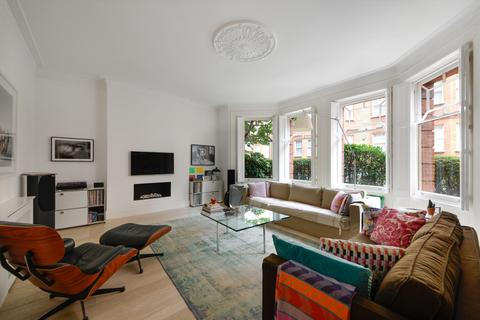 4 bedroom flat for sale - Wynnstay Gardens, London, W8