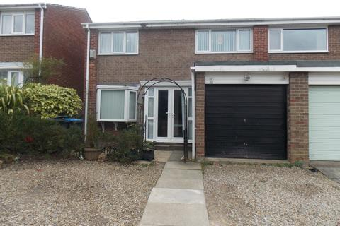 3 bedroom semi-detached house to rent - Orleans Grove, Marton-in-Cleveland, Middlesbrough, TS7 8QH