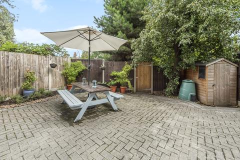 2 bedroom flat for sale - Dermody Gardens London SE13