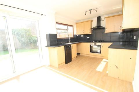 3 bedroom house to rent - Heron Flight Avenue, Hornchurch, RM12