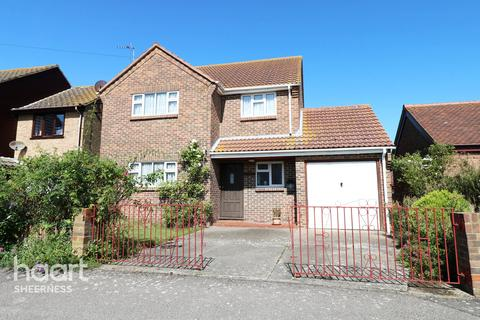 4 bedroom detached house for sale - Silverdale Avenue, Sheerness