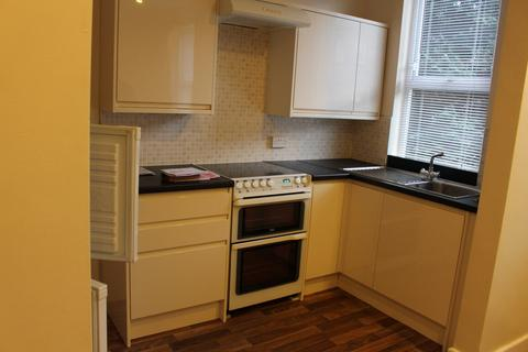 2 bedroom terraced house to rent -  Darfield Place,  Leeds, LS8