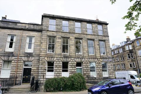3 bedroom flat to rent - East Claremont Street , Bellevue, Edinburgh, EH7 4JA