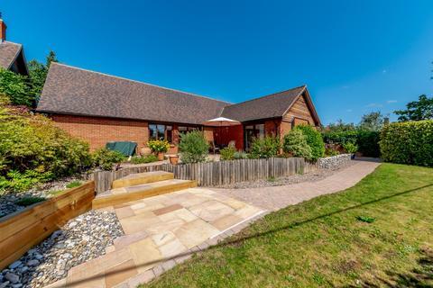 3 bedroom detached house for sale - Town Farm Close, Thame, Oxfordshire