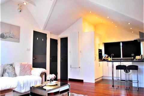2 bedroom apartment to rent - Station Road, West Wickham, Kent, BR4