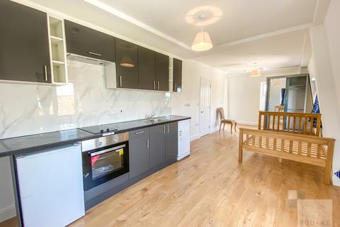 Studio for sale - Holloway Road, Holloway, N7