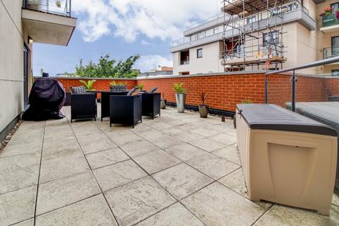 2 bedroom apartment for sale - Grays Place, Slough