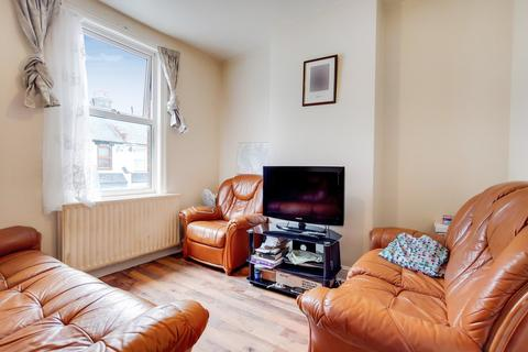 2 bedroom apartment for sale - Rosebery Avenue, London, N17