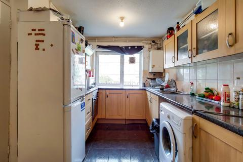 3 bedroom apartment for sale - Watson Close, London, N16