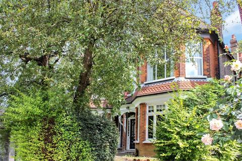 2 bedroom flat - Colney Hatch Lane, Muswell Hill