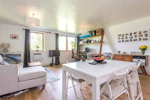 1 bedroom apartment to rent - Roundwood Court, 3 Meath Crescent, Bethnal Green, London, E2