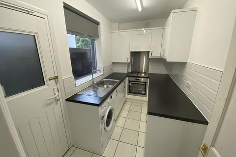 3 bedroom house to rent - Westbury Road, ,