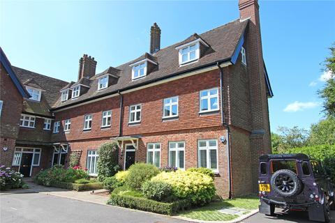 2 bedroom flat for sale - The Manor House, Eyhurst Park, Tadworth, Surrey, KT20