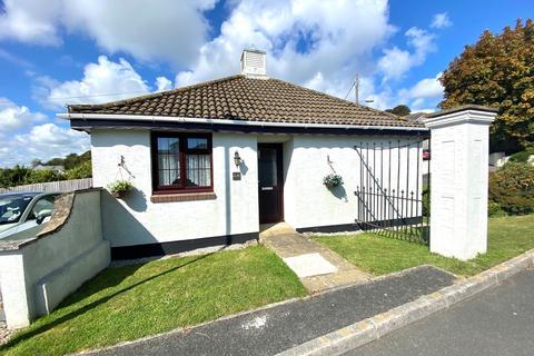 2 bedroom detached bungalow for sale - Chisholme Close, St. Austell
