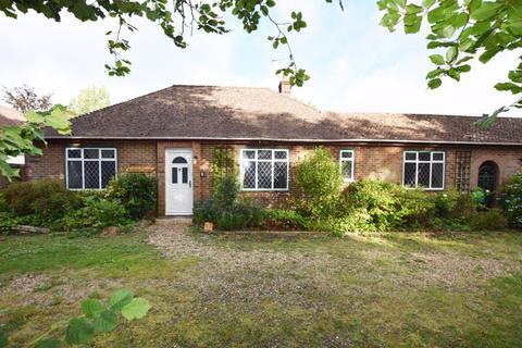 3 bedroom detached bungalow for sale - The Shrave, Four Marks, Alton, Hampshire