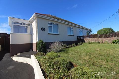 2 bedroom semi-detached bungalow to rent - Ailescombe Road, Paignton