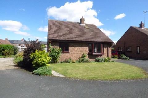 2 bedroom detached bungalow for sale - Kirkland Street, Pocklington