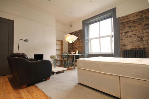 Studio to rent - 192 A Westgate Road, City Centre