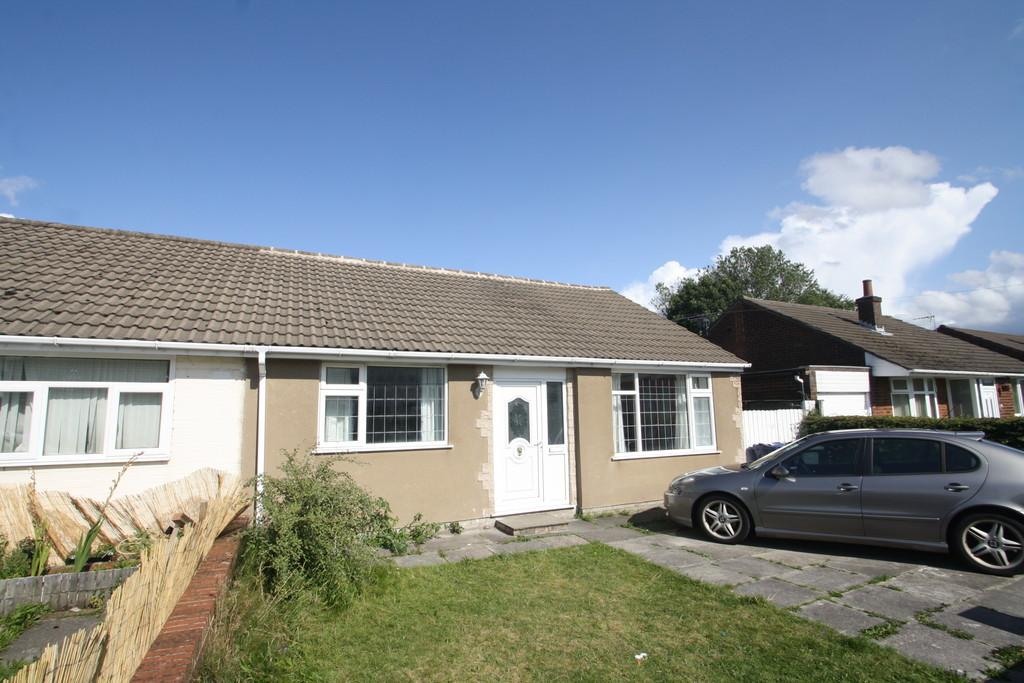 3 Bedrooms Semi Detached Bungalow for sale in Moor Drive, Skelmersdale