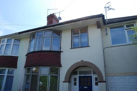 4 bedroom semi-detached house to rent - Franklynn Road, Haywards Heath RH16