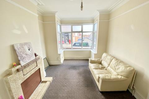 5 bedroom terraced house to rent - Dallow Road, Luton LU1