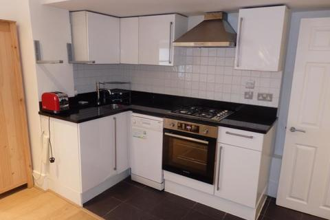 1 bedroom flat to rent - Ferme Park Road, Crouch End, N8