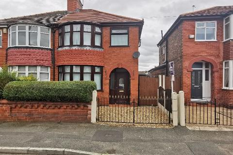 3 bedroom semi-detached house to rent - Clough Road, Manchester
