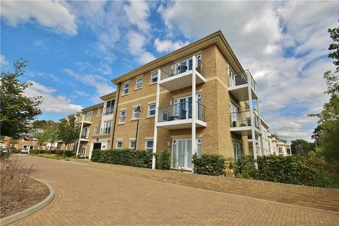2 bedroom apartment - Hazelwood House, 6 Dyas Road, Sunbury-on-Thames, Surrey, TW16