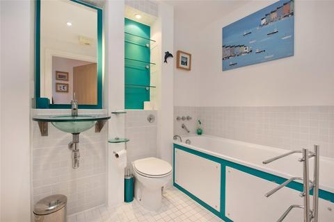 2 bedroom flat to rent - St. Davids Square, London, E14