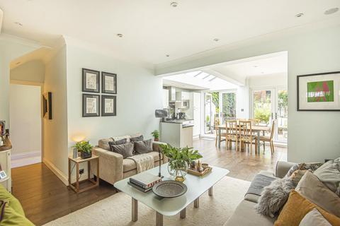 2 bedroom flat for sale - Lavender Gardens, Battersea