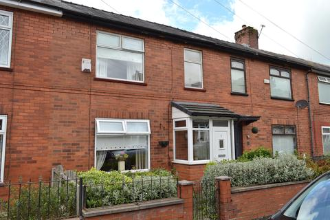 3 bedroom townhouse for sale - Clovelly Avenue, Hollinwood, Oldham, OL8 3UW