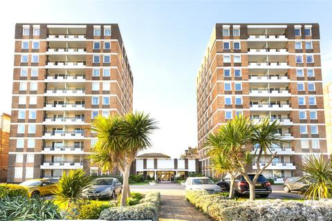 3 bedroom apartment for sale - Ashley Court, Grand Avenue, Hove, East Sussex, BN3