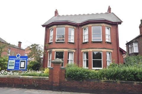 6 bedroom detached house for sale - Roker Park Road, Roker