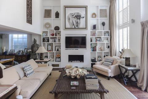 3 bedroom ground floor flat for sale - Victorian Heights, Thackeray Road, Battersea, London SW8