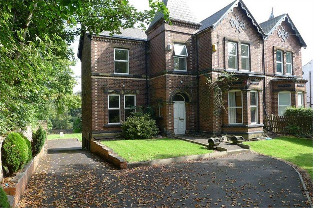 4 Bedrooms Semi Detached House for sale in Park Road, Westborough, Dewsbury, West Yorkshire