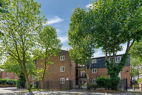 1 bedroom flat for sale - Langdale Close, London SE17