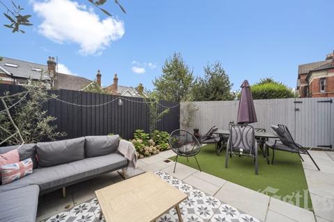 3 bedroom apartment for sale - Wolseley Road, N8