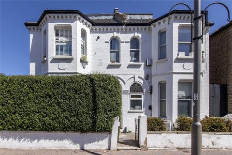 1 bedroom flat for sale - Northcote Road, London, SW11